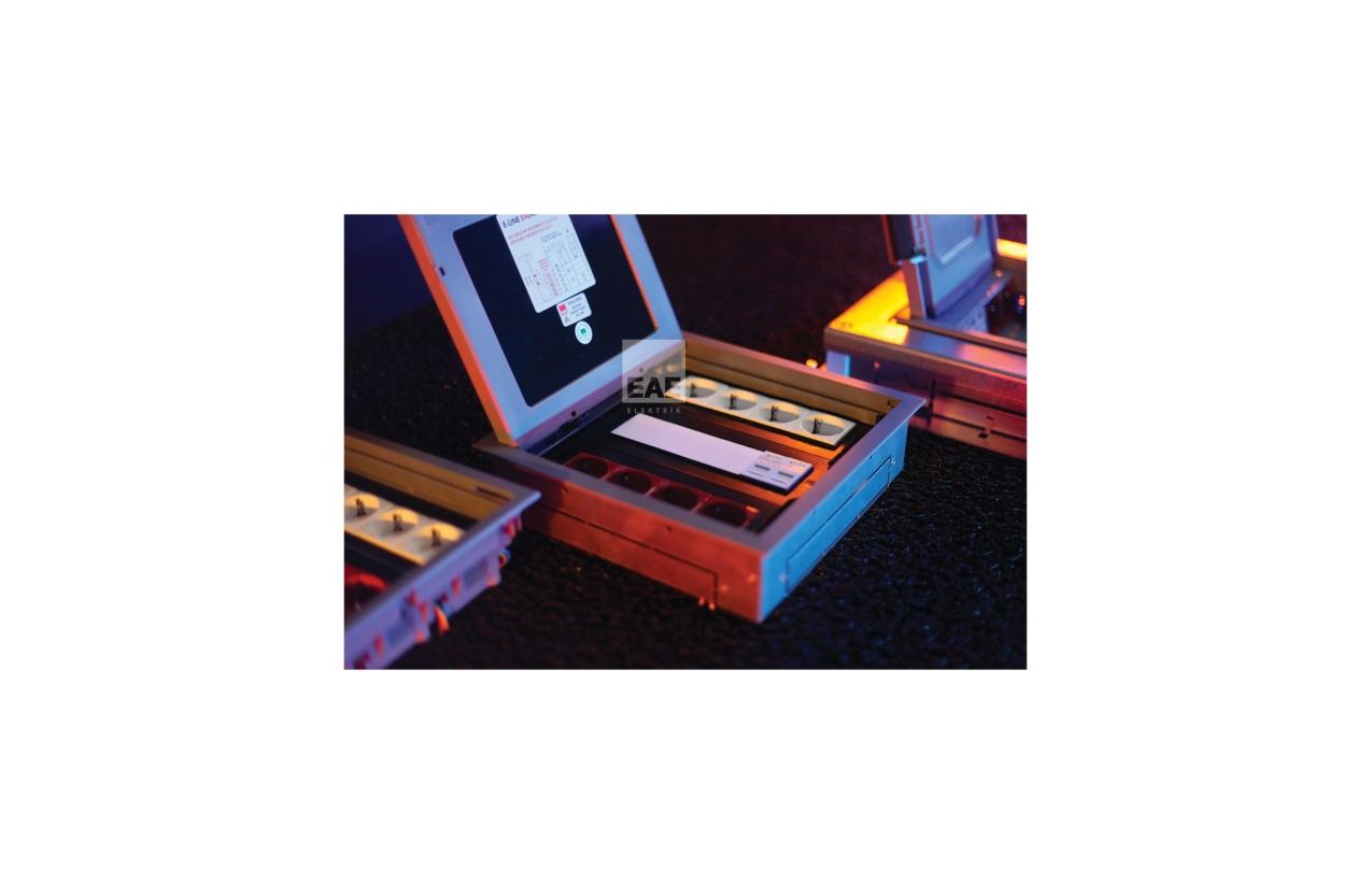 Caixa de aparelhagem com suporte e tampa (24 módulos horizontais)